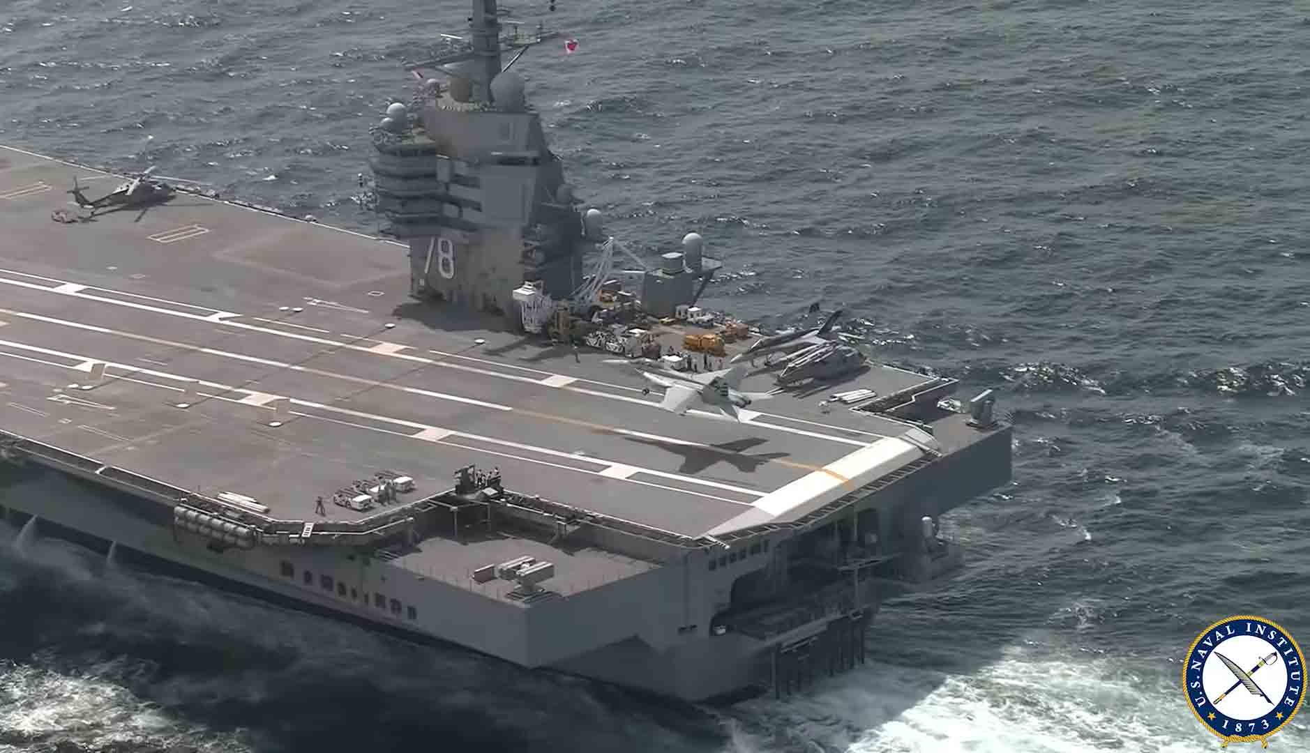 """Caça dos EUA decola de porta-aviões com """"catapulta eletromagnética""""; assista. Foto: Reprodução Youtube"""