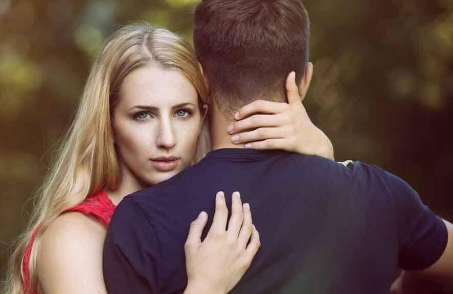 Uso de apps de espionagem de crush, namorado ou cônjuge, aumenta 35%