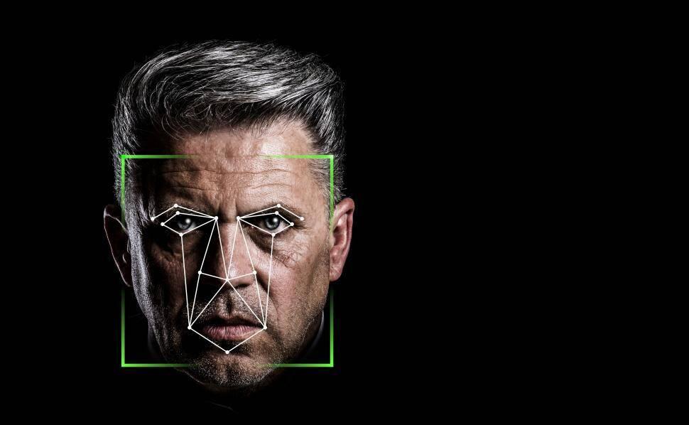 Software usa dados das redes sociais para fazer reconhecimento facial