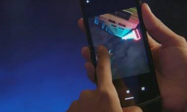 Motorola Razr: imperfeições na tela são normais