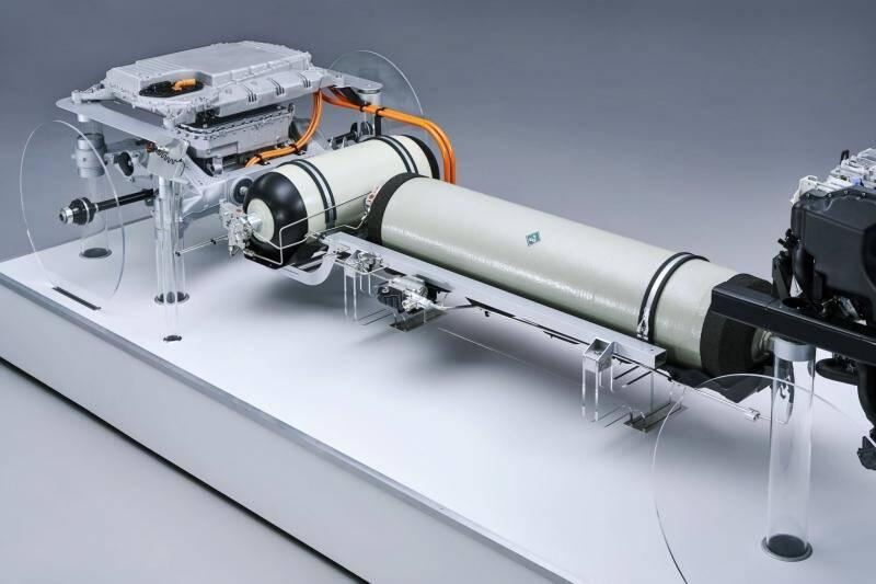 De acordo com as informações reveladas pela BMW, este sistema gera até 125 kW (170 CV) de potência elétrica