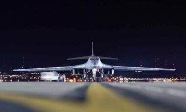 Força Aérea dos EUA envia bombardeiros B-1 sobre o Mar da China como mensagem à China