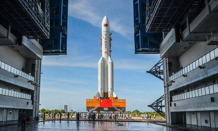 Foguete chinês falhou e está voltando à Terra como o maior lixo espacial desde 1991. Foto: Facebook/People's Daily, China