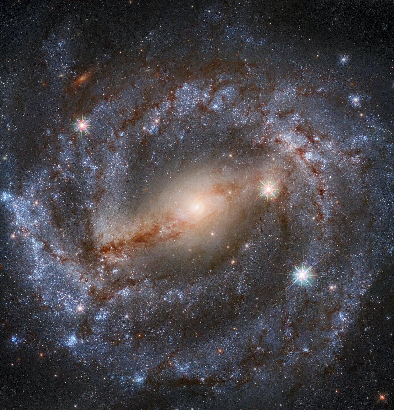 Hubble revela galáxia espiral a 60 milhões de anos-luz da Terra