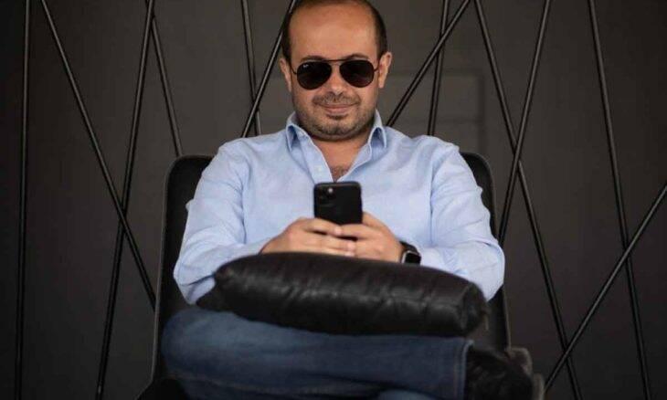 Baha'a Asfour: influenciador e advogado de sucesso conta sobre sua mudança de vida e seus negócios virtuais. Foto: Divulgação