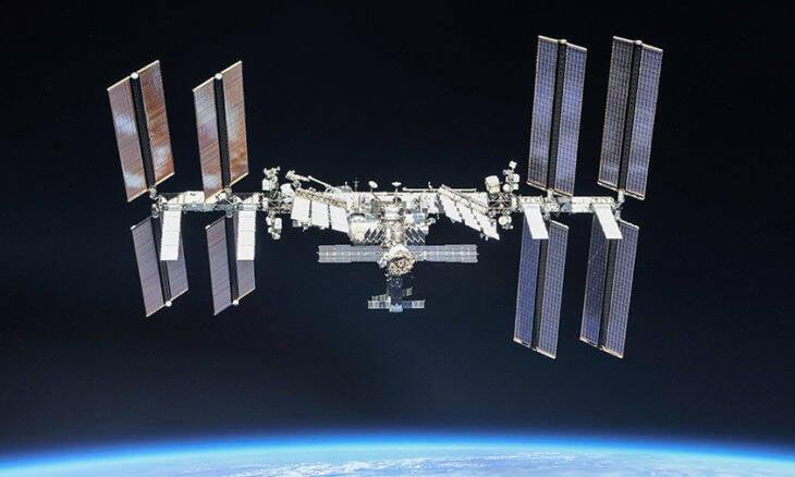 ISS fez manobra para desviar de lixo espacial