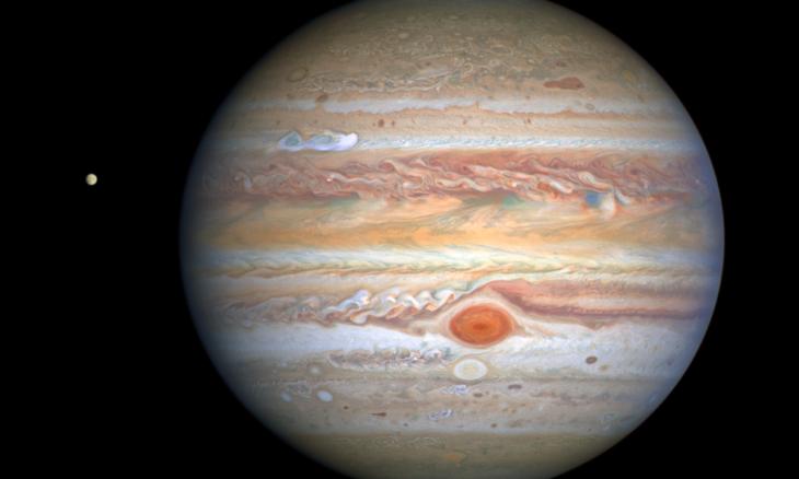 Hubble flagra tempestade se formando em Júpiter