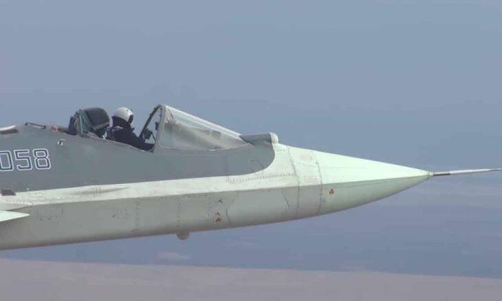 Vídeo mostra caça russo Su-57 voando sem a cobertura protetora. Foto: reprodução Youtube