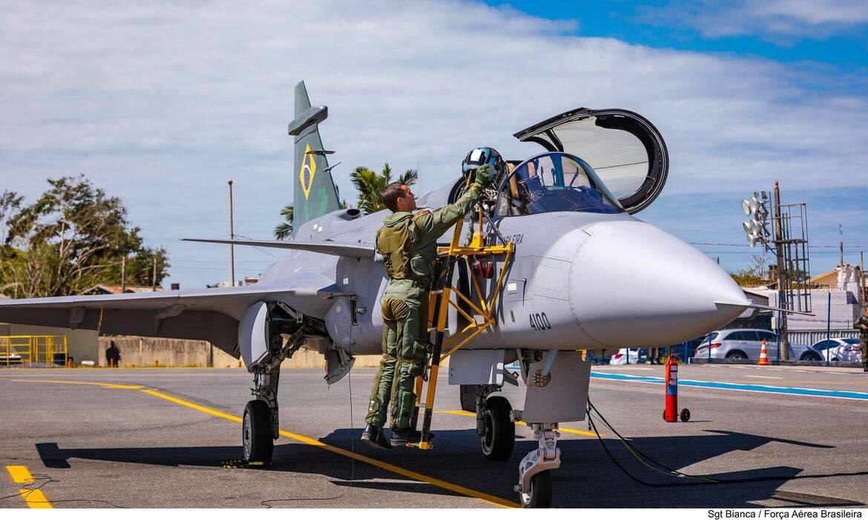 FAB apresenta novas aeronaves F-39E Gripen