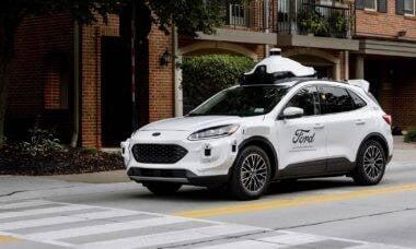 Ford inicia testes com carros autônomos de quarta geração