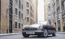 Empresa britânica recria clássico MGB como carro elétrico