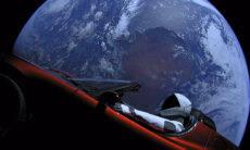 Carro da Tesla lançado ao espaço se aproxima pela 1ª vez de Marte