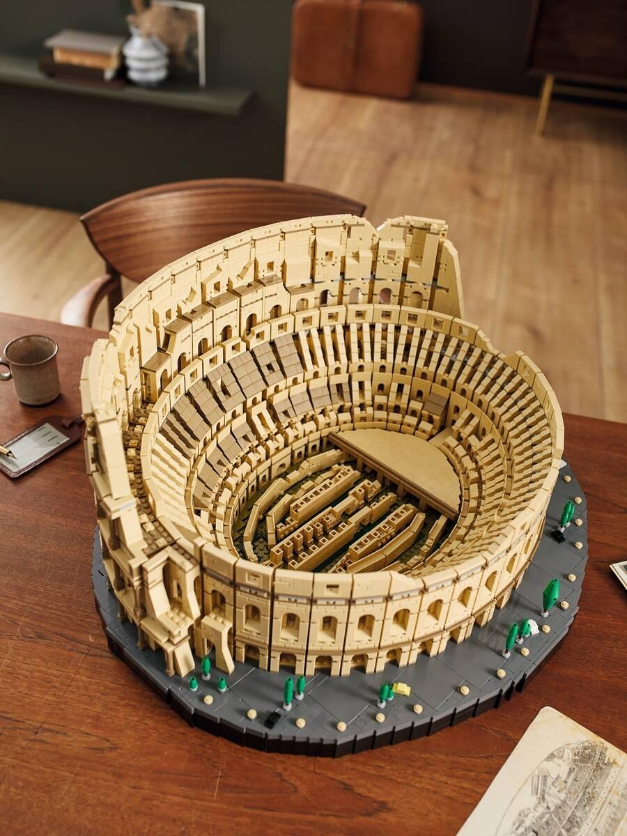 Coliseu de Lego leva 9.036 peças