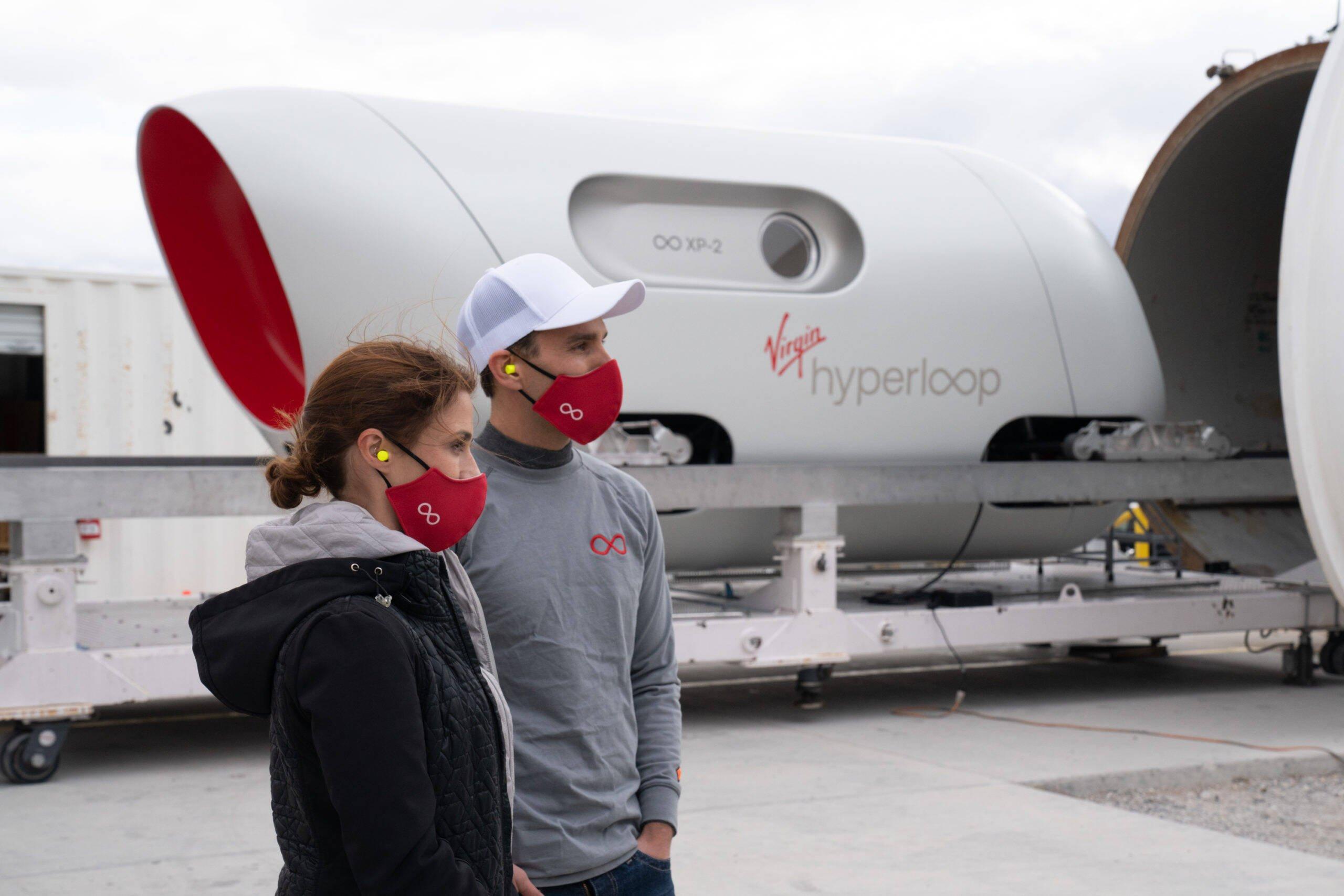 Virgin Hyperloop completa primeiro teste com passageiros