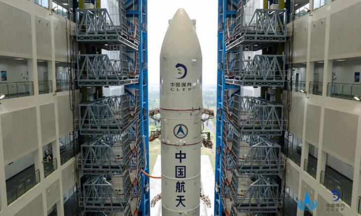 China lança missão espacial para a Lua