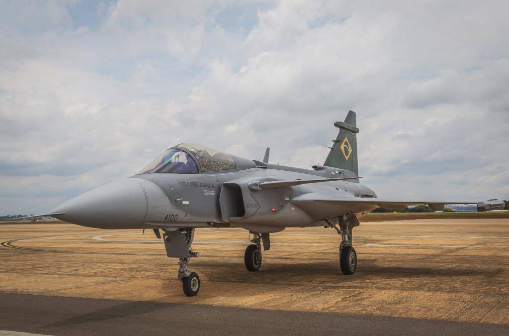 Força Aérea e Avibras firmam acordo para desenvolver mísseis
