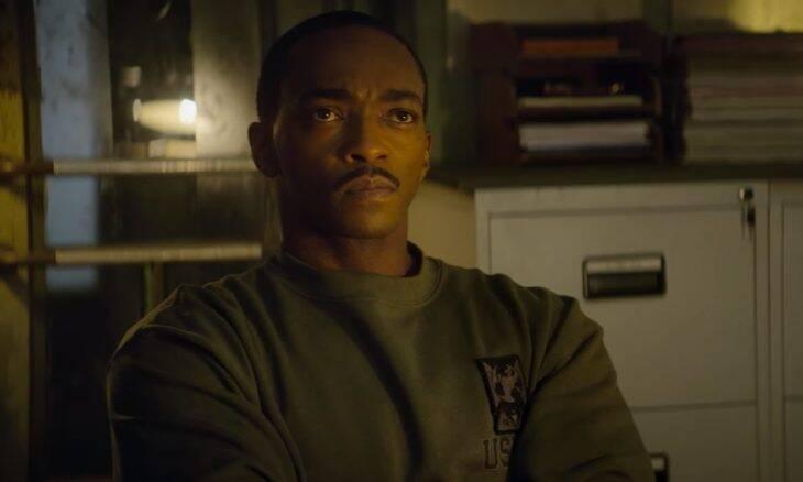 """""""Zona de Combate"""" traz Anthony Mackie no papel de militar androide"""