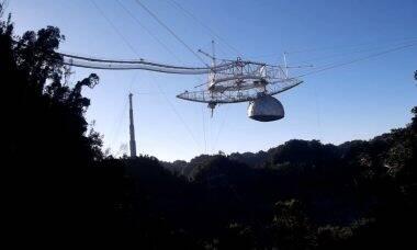 Drone flagrou desabamento do radiotelescópio de Arecibo