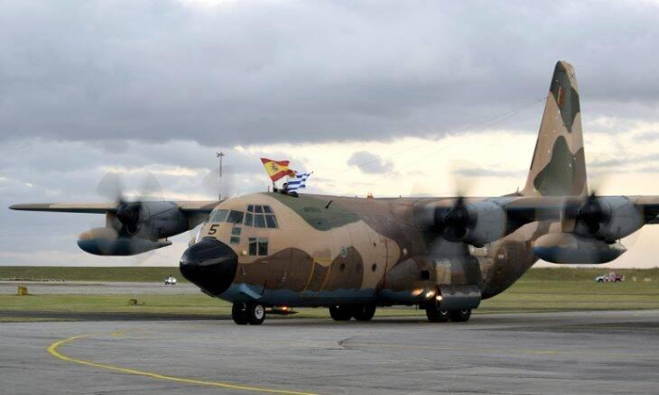 Força Aérea do Uruguai incorpora aviões KC-130 H Hércules