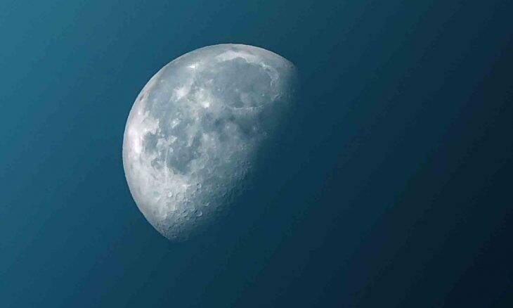 """Antes do fim de 2020, a """"Lua Fria"""" brilhando mais forte esta semana. Foto: Pexel"""