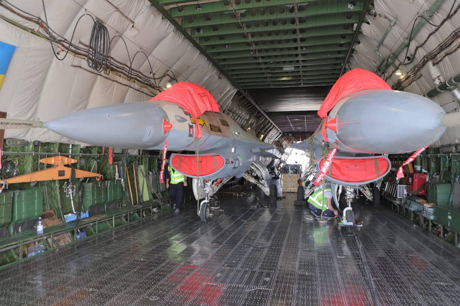 Empresas canadense compra caças F-16 de Israel