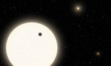 """Nasa divulga dados de planeta de três sóis que estava """"esquecido"""" pelos cientistas"""