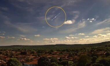 Meteoro provoca estrondo nos céus da Bahia