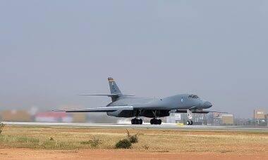 Força Aérea dos EUA inicia processo de aposentadora do bombardeiro B-1