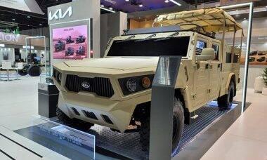 Kia mostra jipe militar em exposição nos Emirados Árabes