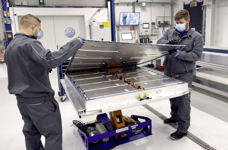 Volkswagen inicia programa de reciclagem de baterias de carros elétricos