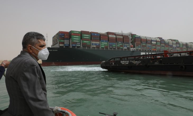 Petição online pede novo bloqueio do Canal de Suez; entenda