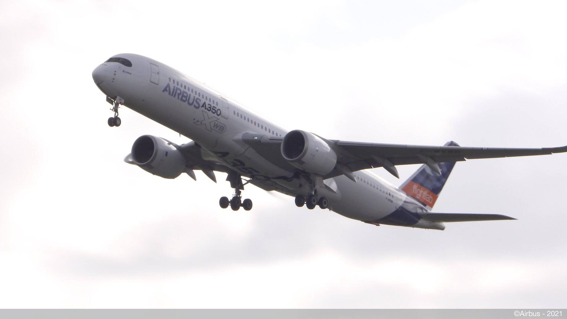 Airbus A350 faz 1º voo de testes com combustível 100% sustentável