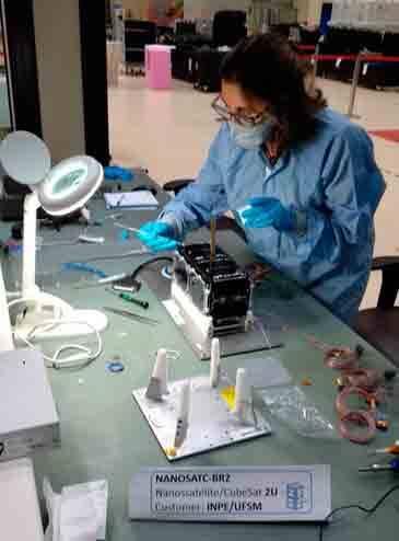 Nanossatélite NanoSatC-Br2, por INPE - Instituto Nacional de Pesquisas Espaciais/Divulgação