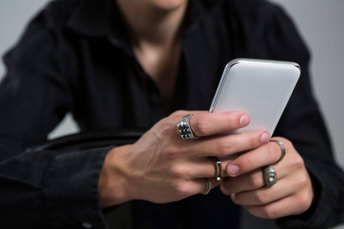 """Empresa promete pagar US$ 2,4 mil para quem ficar 24 horas """"desconectado"""""""