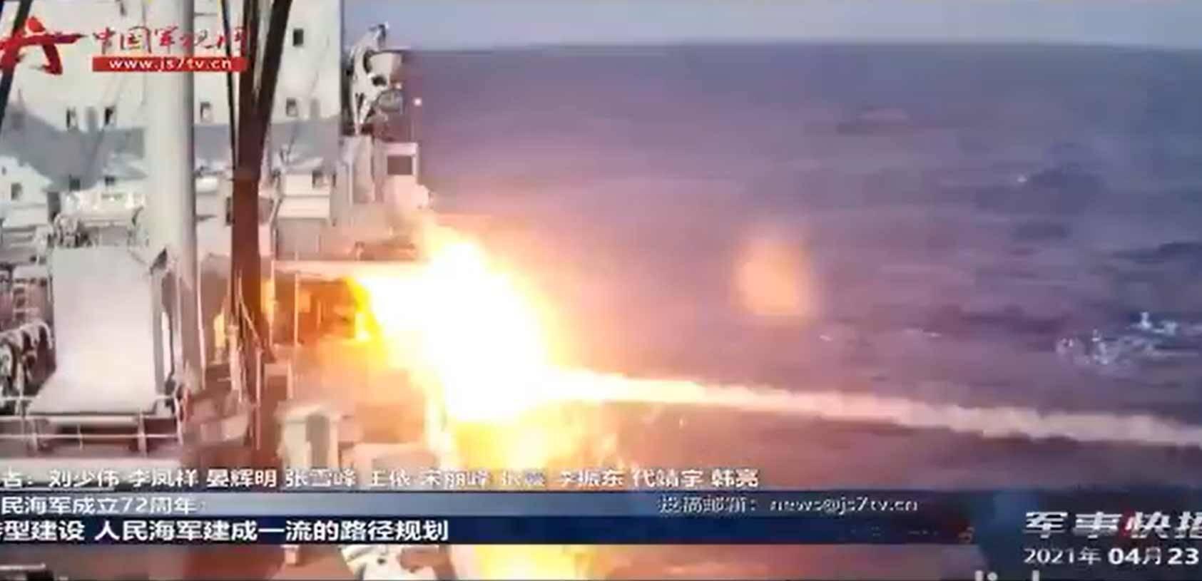 Vídeo mostra míssil supersônico chinês atingindo navio . Foto: reprodução Twitter