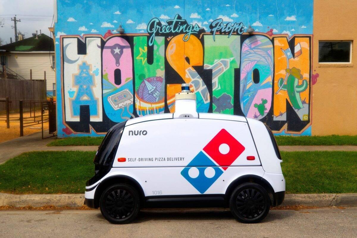 Domino's vai iniciar serviço de entrega de pizzas com carro autônomo