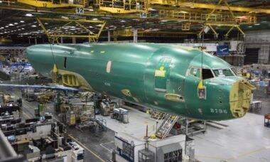 Primeiro Boeing P-8A Poseidon da Noruega entra em fase final de montagem