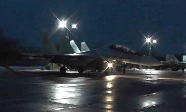 Vídeo: avião de combate Su-30SM lança mísseis em missão noturna. Foto: reprodução Youtube