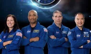 Astronautas da Crew-1 voltam para a Terra neste sábado (1º)