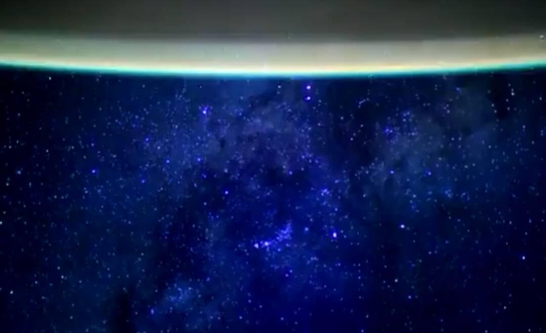 Astonauta faz vídeo que mostra a Terra com a Via Láctea ao fundo