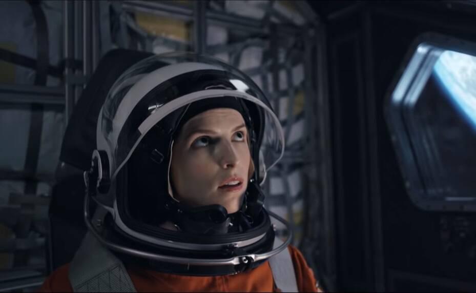 """Netflix divulga trailer do suspense espacial """"Passageiro Acidental"""""""