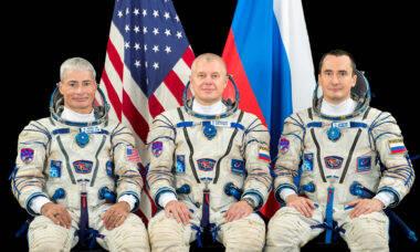 Missão Gagarin: astronautas chegam com sucesso na Estação Espacial Internacional