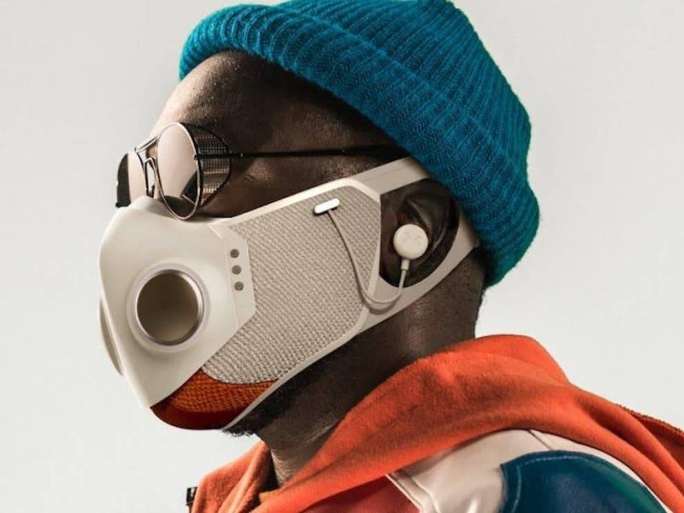 Rapper Will.i.am lança máscara facial inteligente