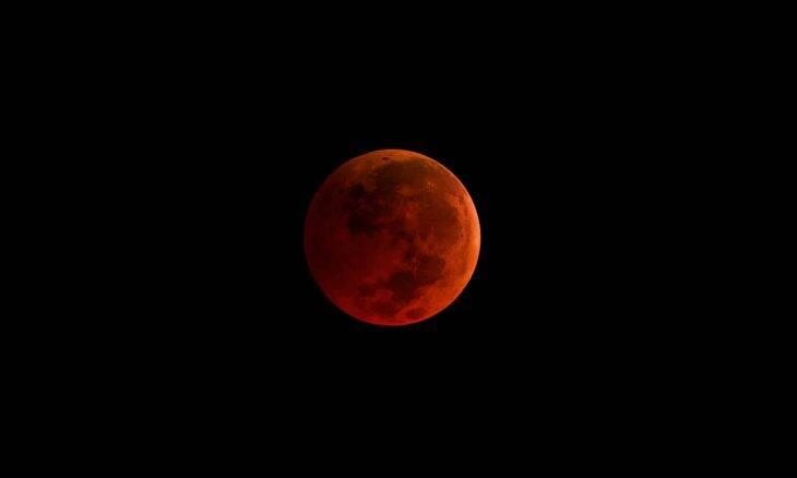 Eclipse total com Superlua poderá ser visto no Brasil nesta quarta (26)