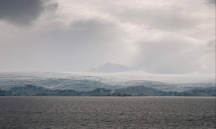 Maior iceberg do mundo se desprende na Antártica