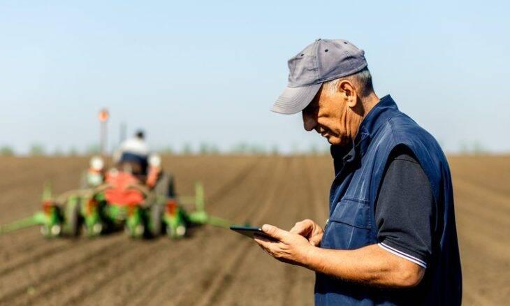 Expansão da internet na agricultura pode aumentar produtividade em até R$ 100 bilhões, aponta estudo