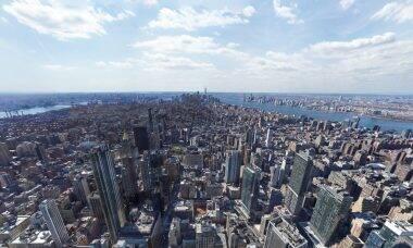 Internautas acham pessoa nua em foto panorâmica de Nova York