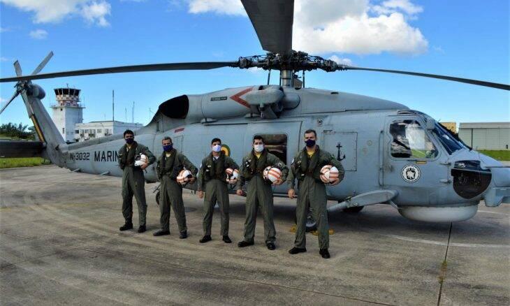 Helicóptero SH-16 Seahawk atinge marca de 8 mil horas de voo na Marinha