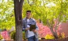 Calouros vão receber iPad Air gratuito em universidade dos EUA