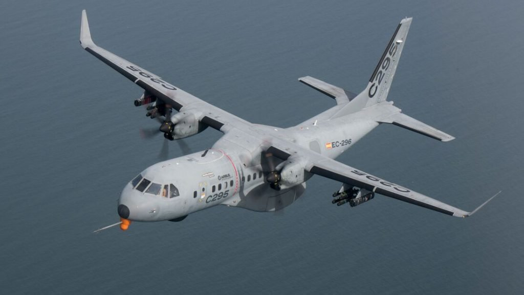 Airbus testa versão armada do cargueiro C295